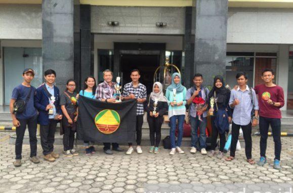 Tim Himatan Unpad yang meraih gelar Juara Umum Jambore Ilmu Tanah Indonesia (JITI) ke-7 di Universitas Sriwijaya, 15-21 Mei 2016